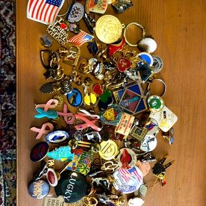 Mixed pins & keychains